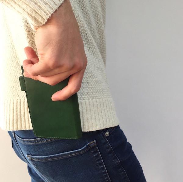 システム手帳(ミニ6穴)はポケットにスッと入る