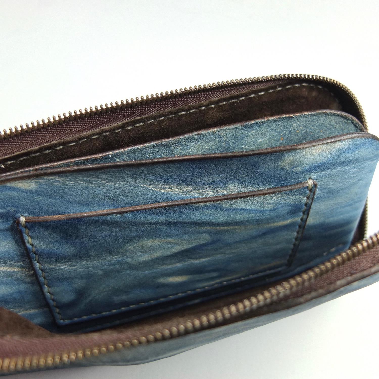 L字ファスナーの長財布のカードポケット