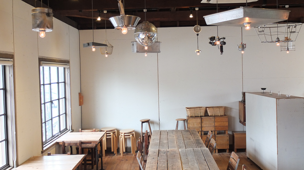 林源十郎商店3階のお洒落な照明と家具たち